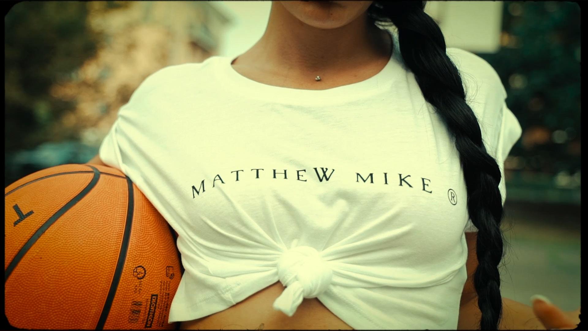 fashion-video-corporate-matthew-mike-marchio-italiano-vendita-vestiti