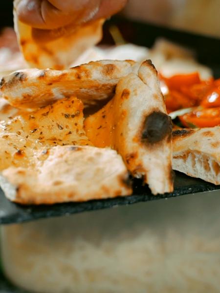 food-video-fare-aperitivo-a-milano-truemotion-agency-produzione-video-milano-roma-torino