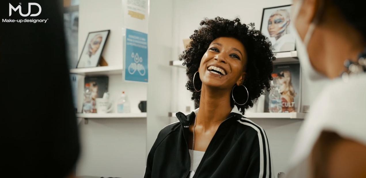backstage-video-afro-fashion-week-milano-2020-come-realizzare-trucco-afro-hairdress-mud-studio-italia-produzione-video-eventi-milano-casa-di-produzione-video
